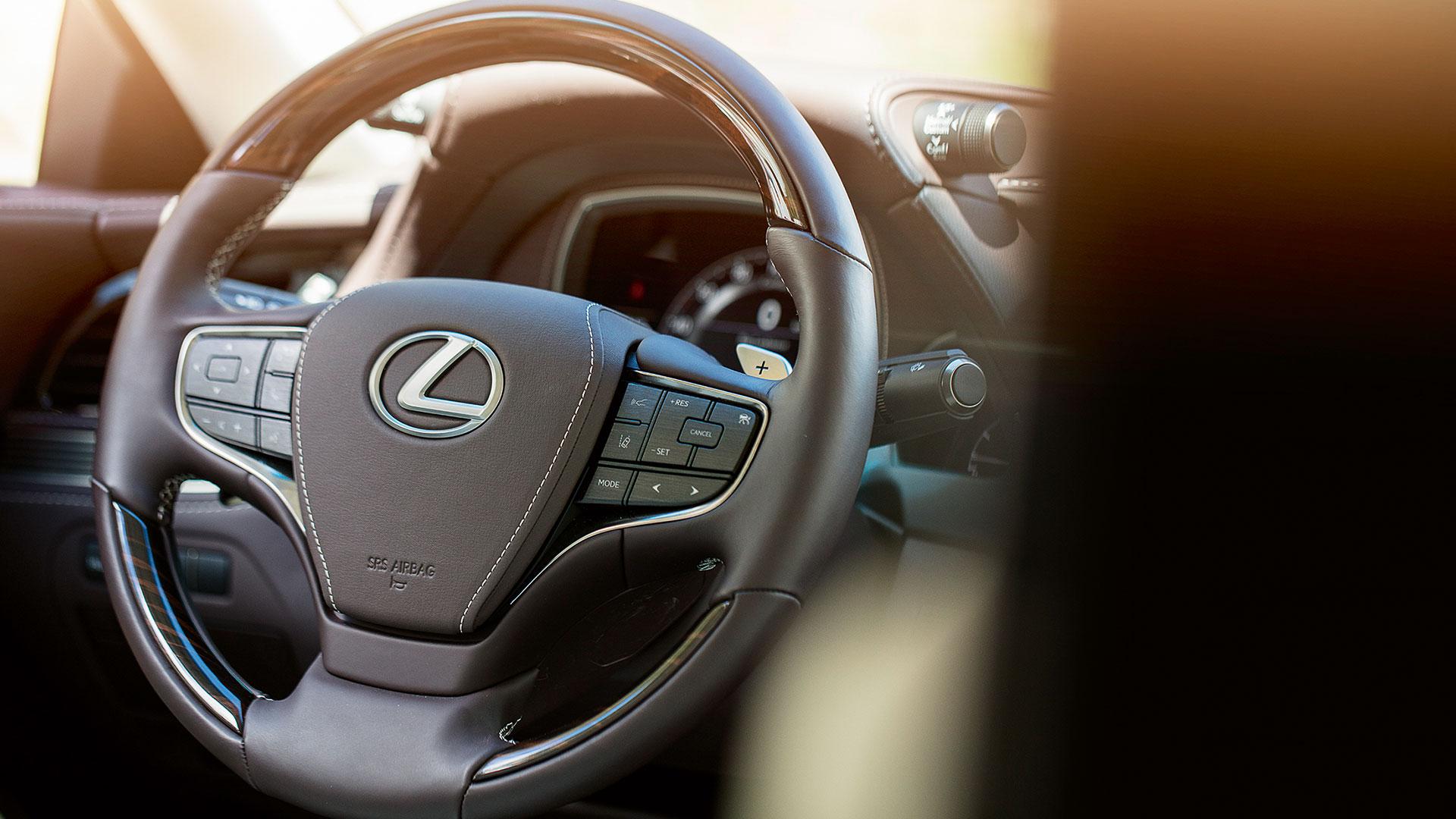 Lexis LS Interior Lenkrad