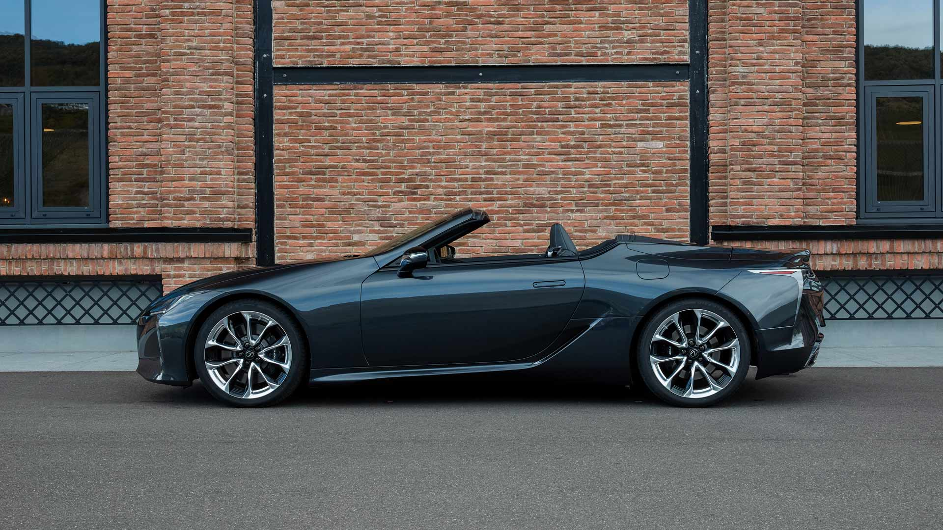 the new lc cabrio gallery item 12