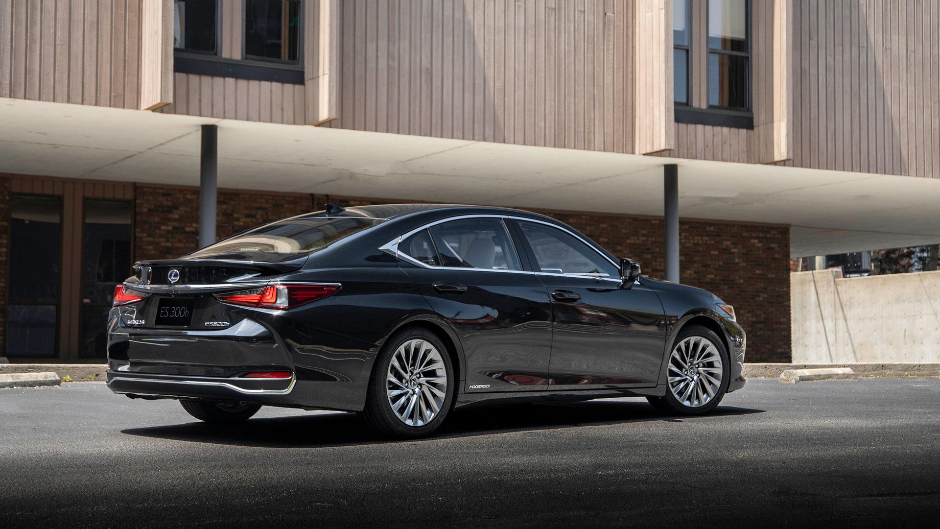 Imagen lateral del nuevo Lexus ES 300h Híbrido