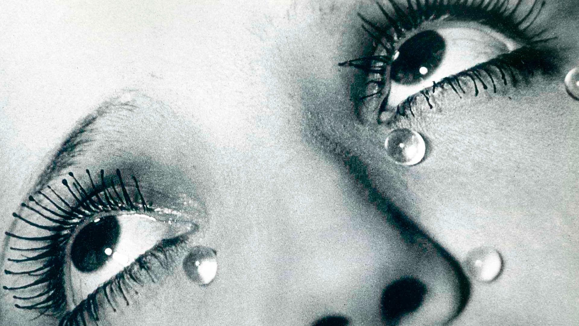 Imágenes de la exposición de Man Ray en Fundación Canal