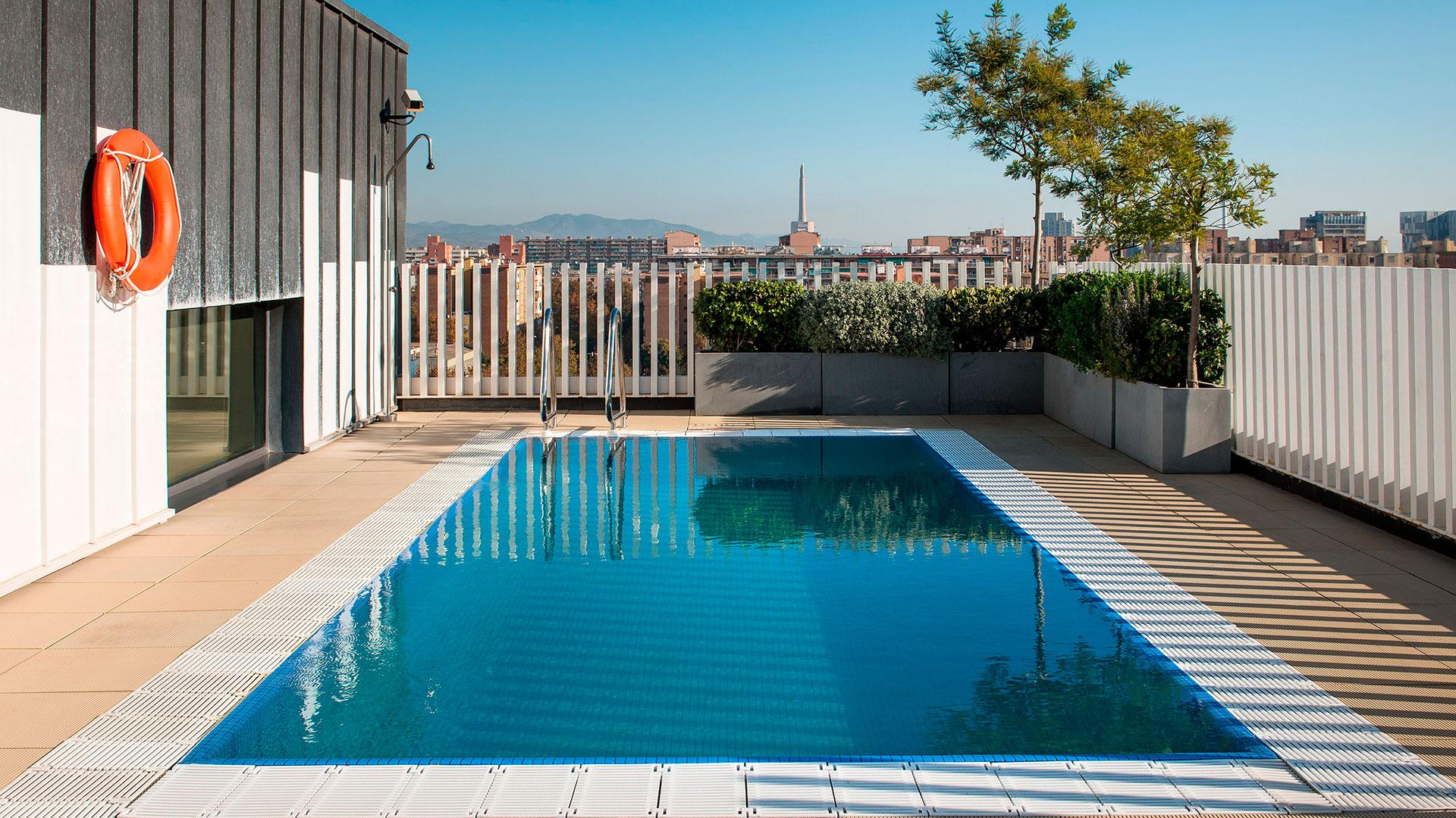 Imagen de la piscina de un hotel