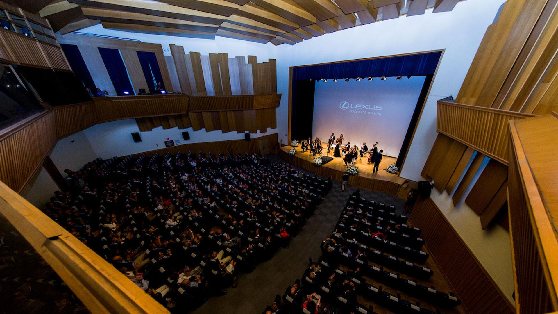 Concierto de música clásica orquestado por Inma Shara para Lexus