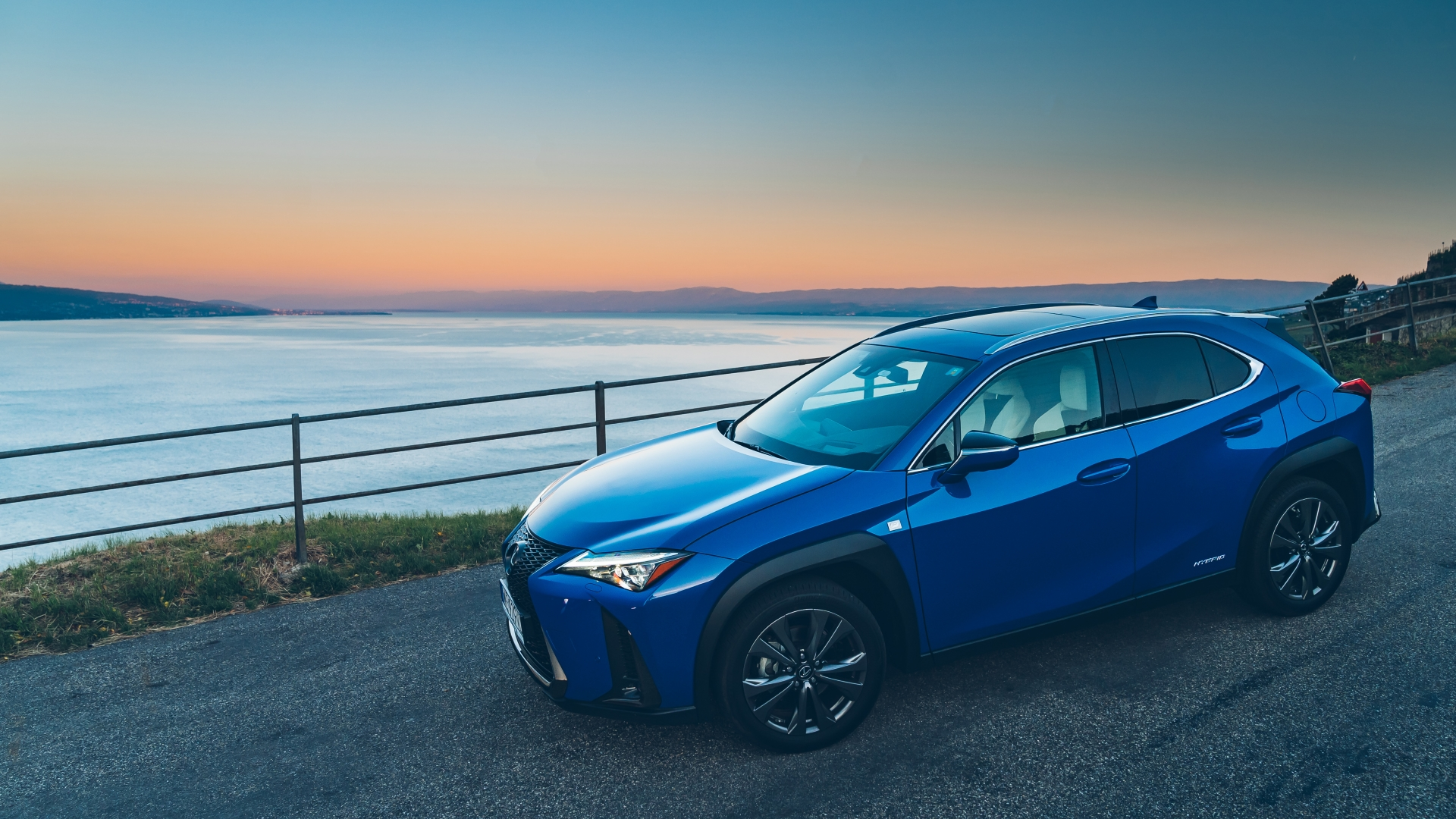 august 2019 lexus uk ux gallery exterior 02