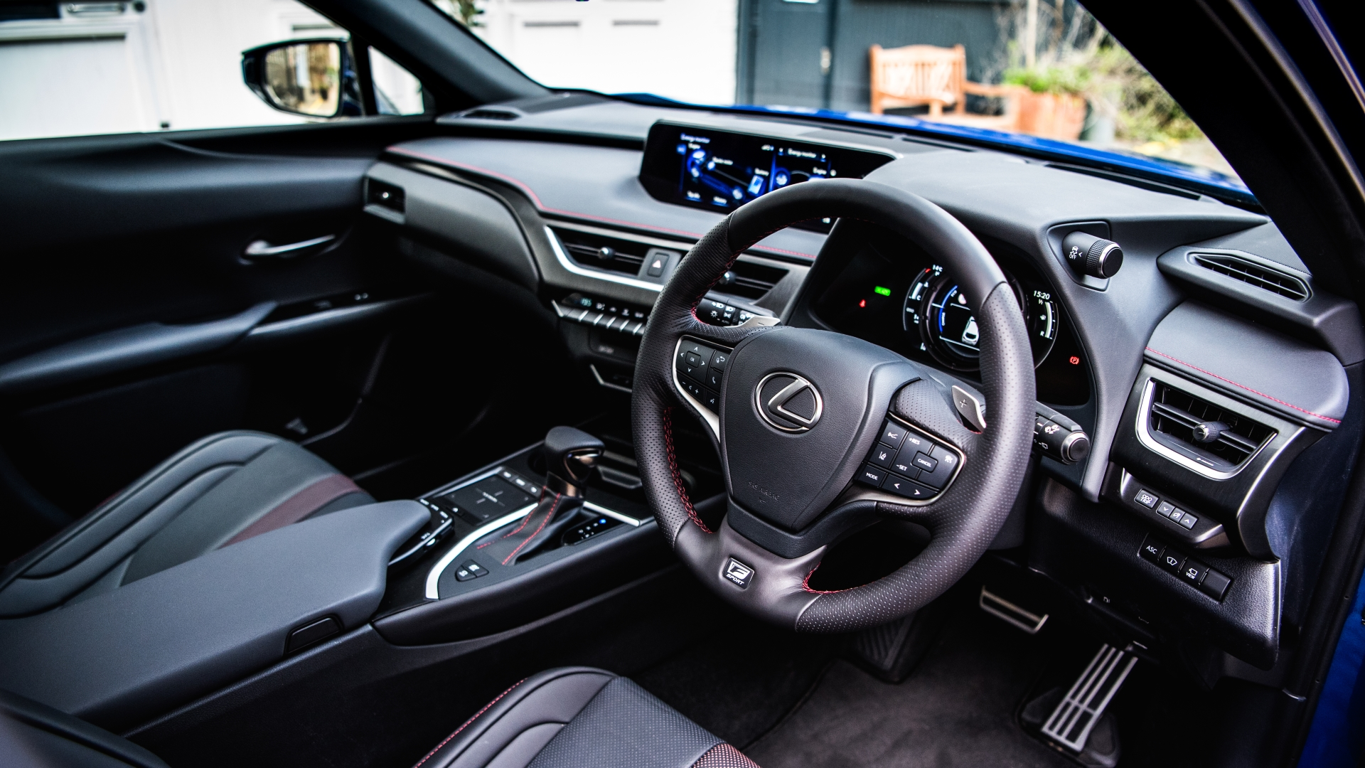 august 2019 lexus uk ux gallery interior 01