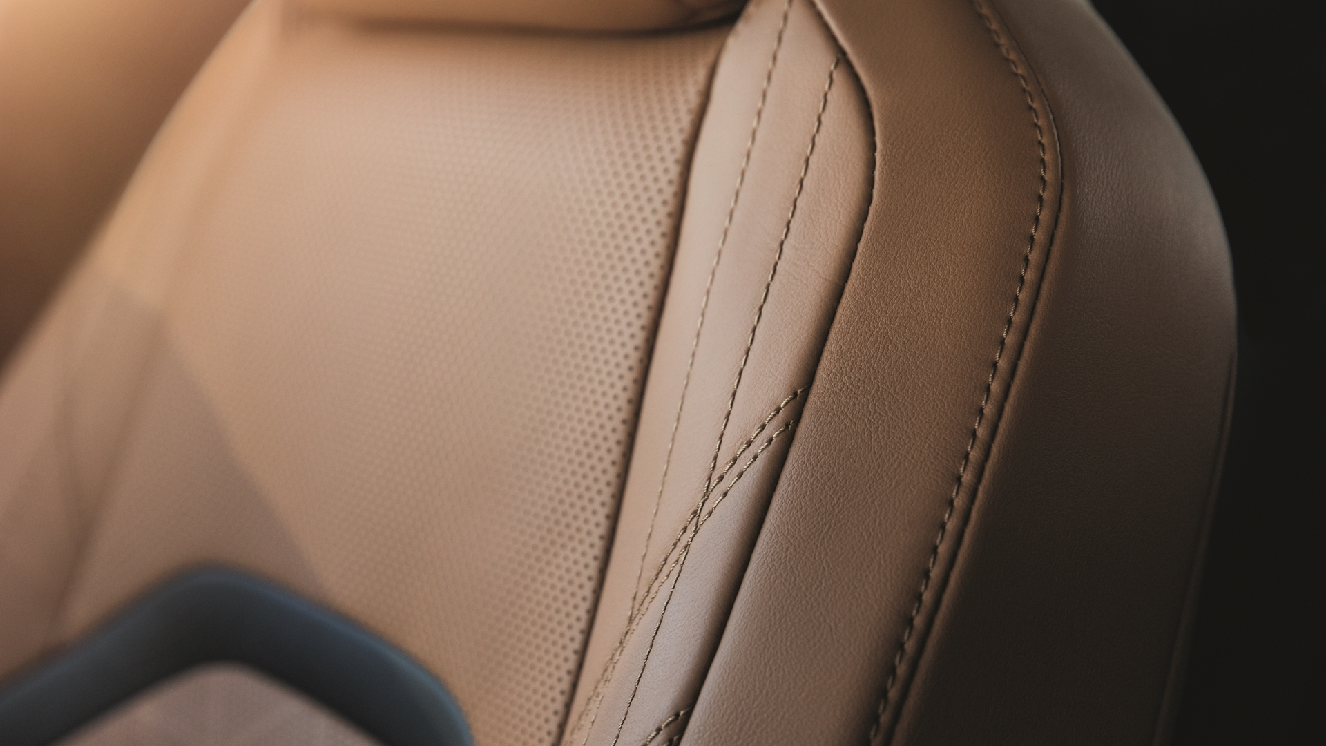 august 2019 lexus uk ux gallery interior 04