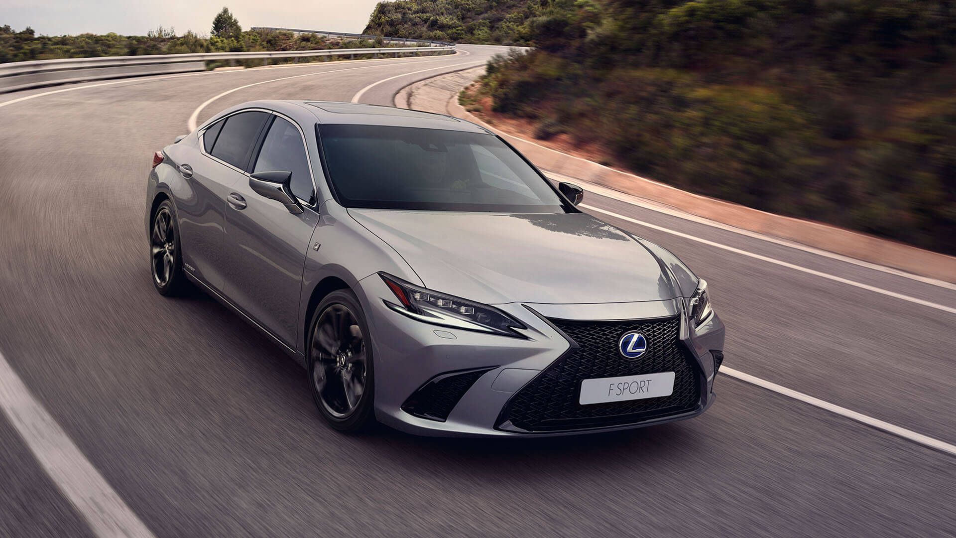 2022 lexus es experience exterior front new wheels and paintwork