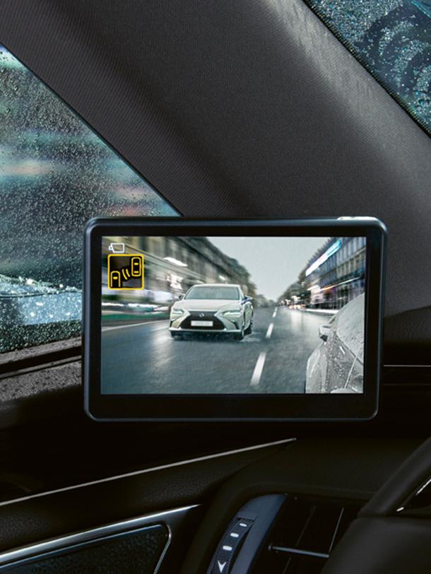 2020 006 digitale buitenspiegels voor Lexus ES portrait