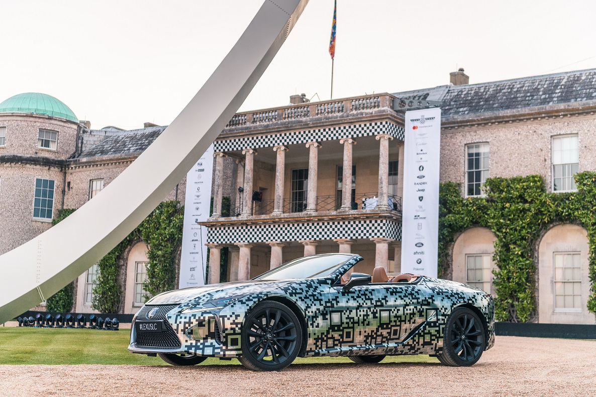 Lexus mostra prototipo descapotavel do LC em Goodwood