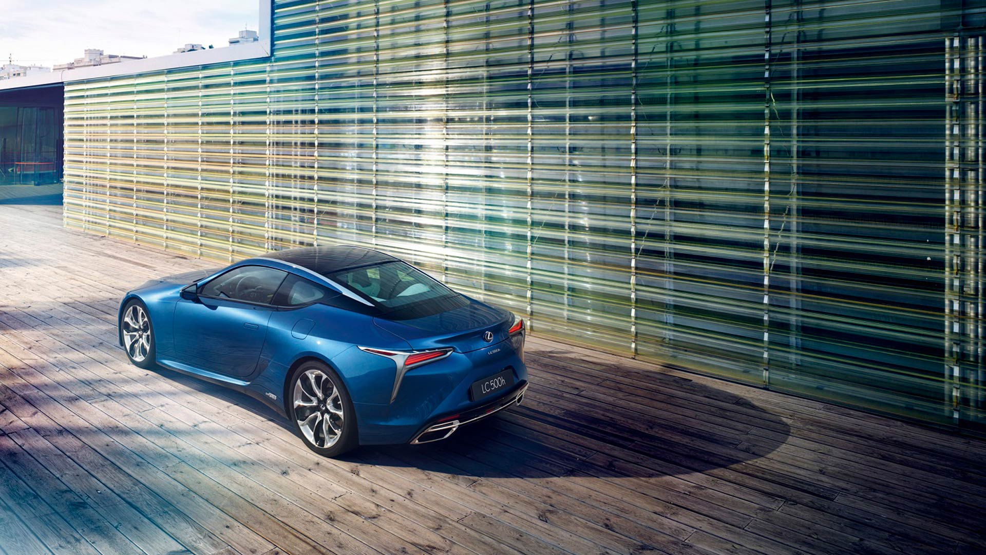 Lexus LC 500h gallery03 v2