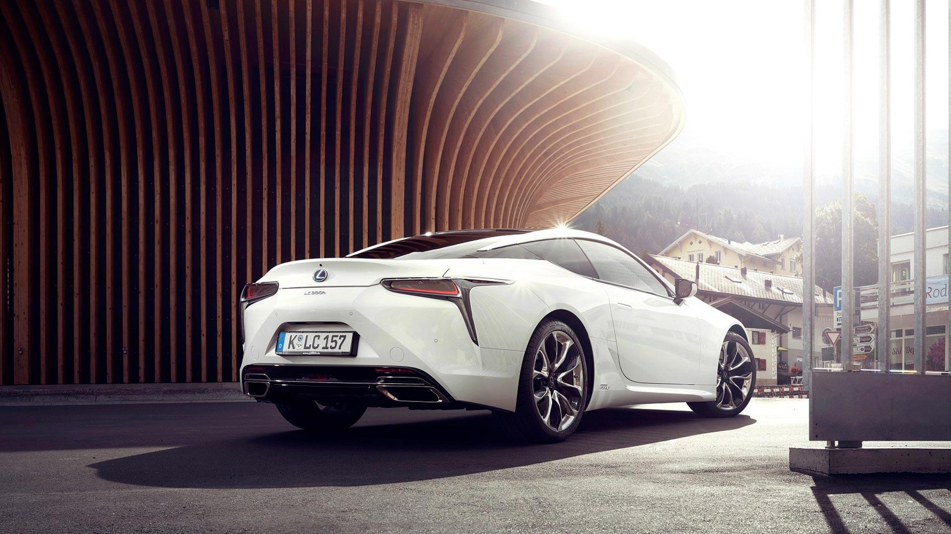 Lexus LC 500h gallery05 v2