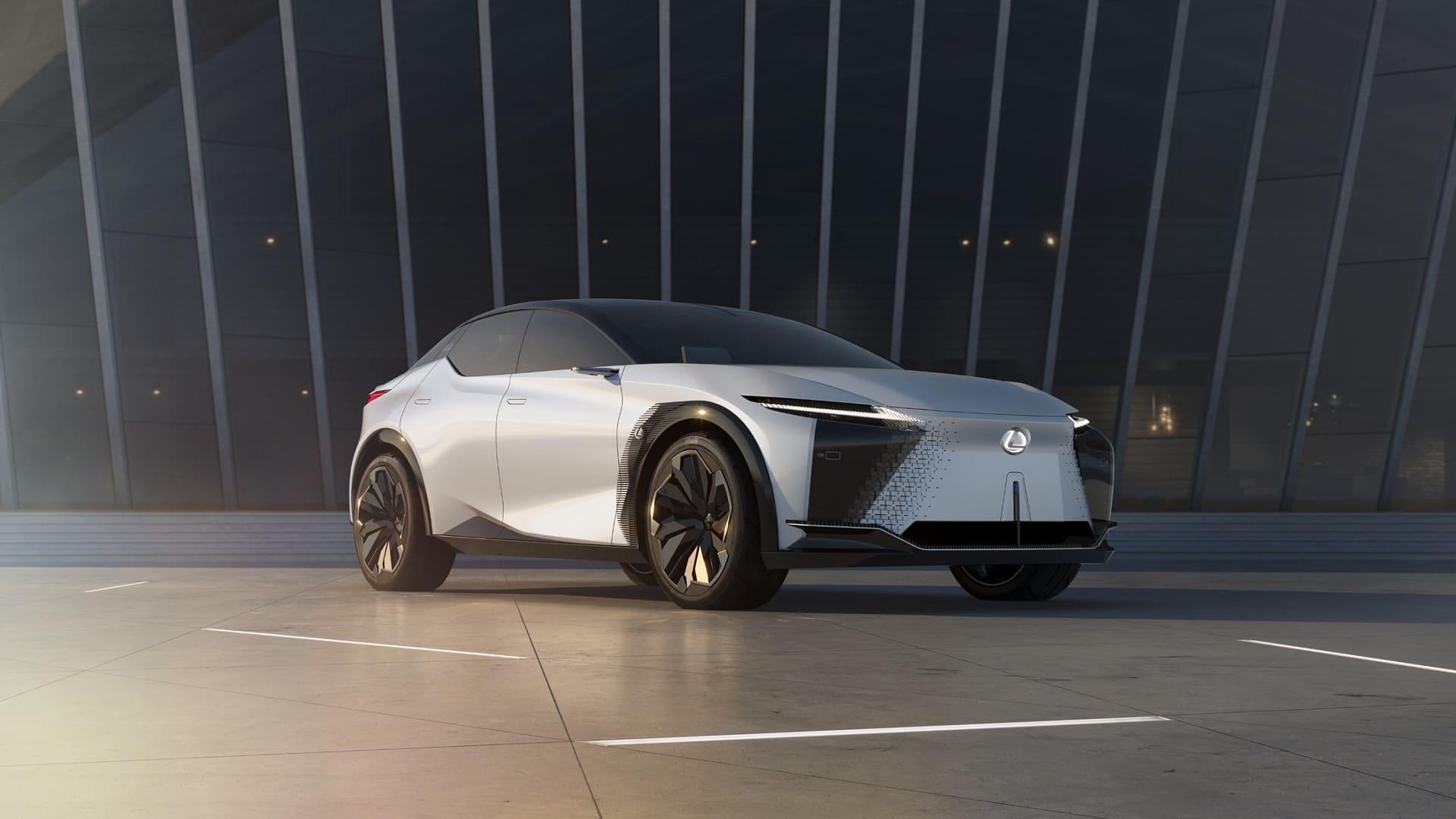 Світова прем'єра електричного концепт кара LF Z Electrified